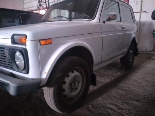 Автомобиль ВАЗ-21214