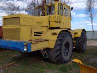 Трактор колісний К-701