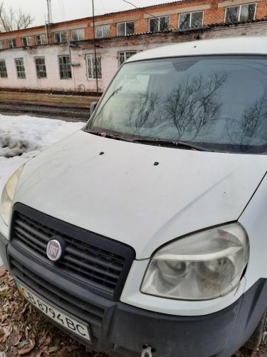 Автомобиль Fiat Doblo