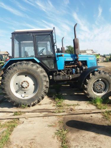 Трактор  МТЗ-1221 Беларус