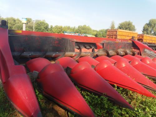 Жатка кукурузная CASE 2208
